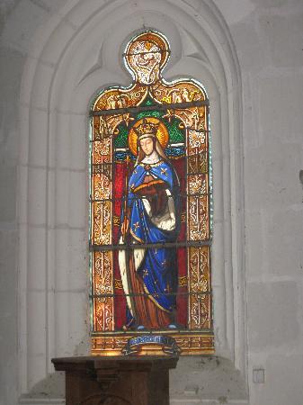 Domaine de la Chapelle : window of Saint Radegonde in chapel