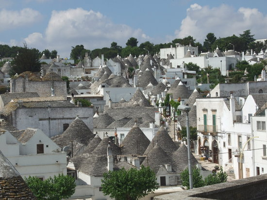 alberobello photos featured images of alberobello province of bari tripadvisor. Black Bedroom Furniture Sets. Home Design Ideas