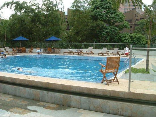 Hotel San Fernando Plaza Medellin: San fernando plaza hotel pool