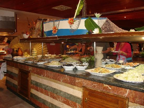 SBH Costa Calma Beach Resort: Restaurant buffets