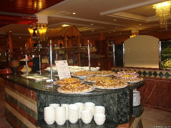 SBH Costa Calma Beach Resort : Restaurant buffets