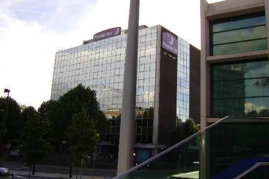 Premier Inn London Wembley Park Hotel: The Hotel from outside the Tube Station