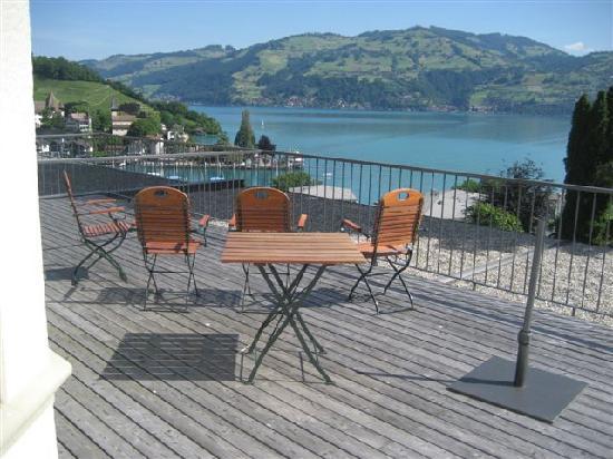 Belvedere Strandhotel & Restaurant: spacious deck