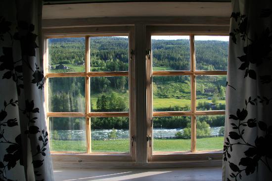 Nordre Ekre Gardshotell: Window in our room