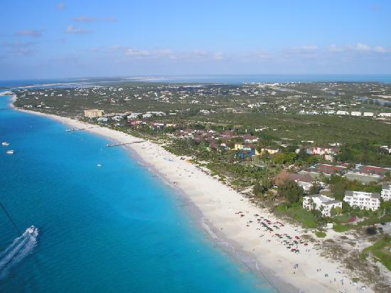 Providenciales: Island houses and urban design,