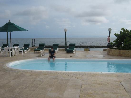 Isla Palma, Κολομβία: El Jacuzzi, al lado del bar,......