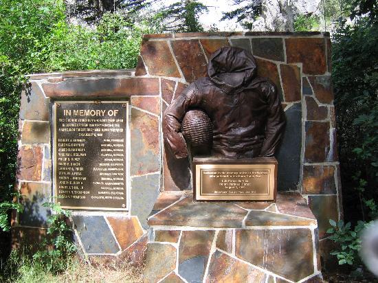 Helena, MT: Smokejumper Memorial (2) 7-3-05
