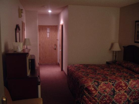 BEST WESTERN Inn & Suites: Room 121