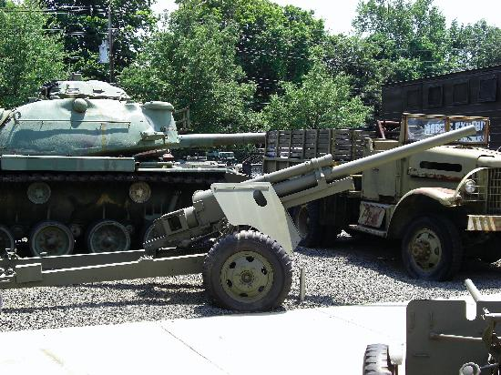 Military Museum of Southern New England: yard