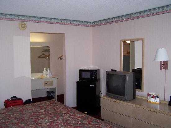 Knights Inn St Petersburg Tropicana: the room
