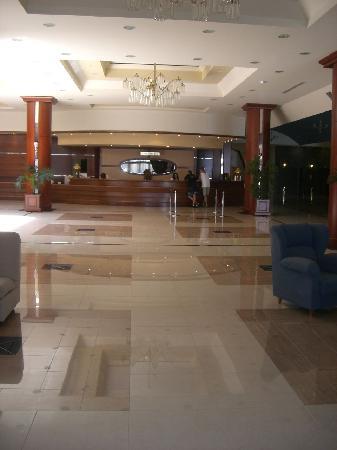 Kipriotis Panorama Hotel & Suites: Reception