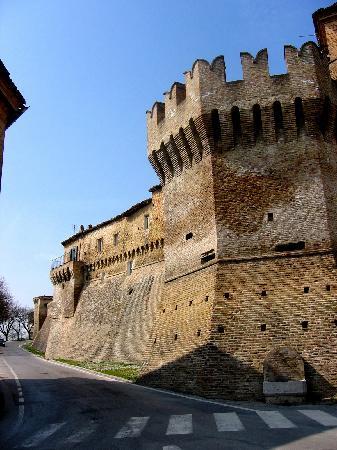 Corinaldo Wall