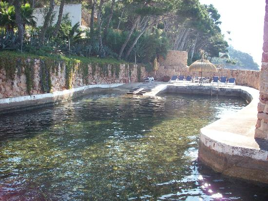 Barcelo Formentor: Secret swimming pool in the sea!
