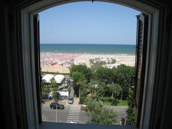 Grand Hotel Rimini: Despite a beautiful beach view
