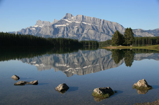 Banff National Park, Canada: Two Jack Lake