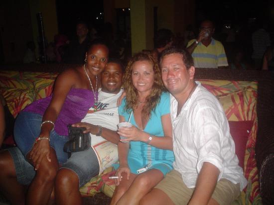 Tropical Princess Beach Resort & Spa: Con unos amigos de Puerto Rico
