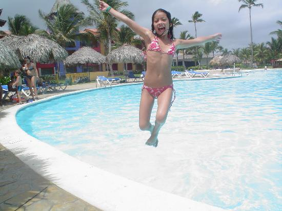 Tropical Princess Beach Resort & Spa: En la piscina
