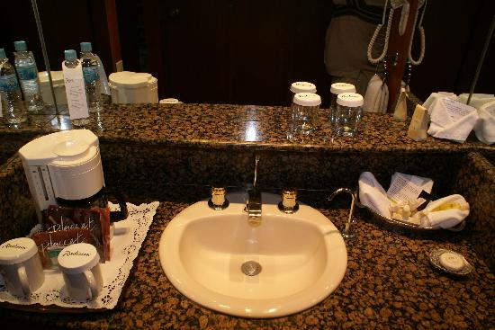 Radisson Hotel Flamingos: Clean well equiped bathroom