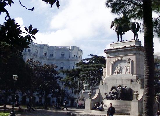 Holiday Inn Montevideo: Plaza Zabala