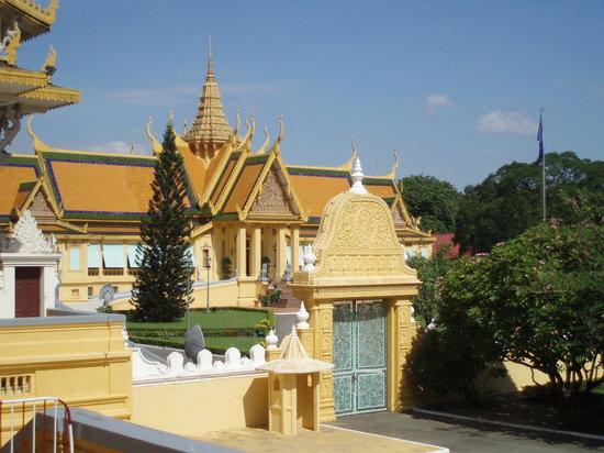 Phnom Penh, Kamboçya: KING PALACE