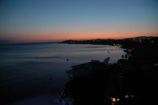 Hotel Grand Ozcelik: Night view from balcony