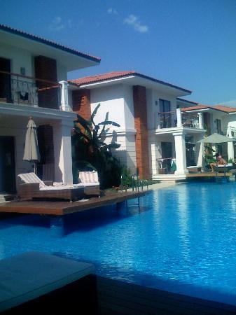 Ela Quality Resort Belek: family pool rooms