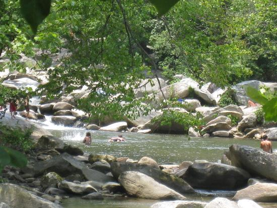 Lake Lure, Carolina del Norte: Swimming Hole near Chimney Rock