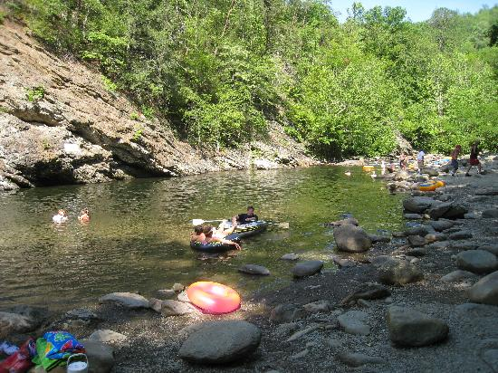 Fox Run Resort: Swimming Hole in Great Smoky Mountains