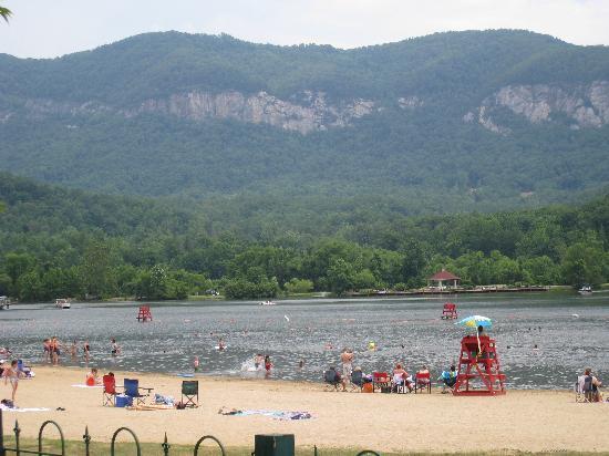 Fox Run Resort: Beach at Lake Lure (downtown)