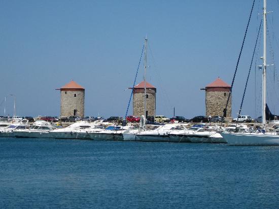 Hotel Athena: Harbour