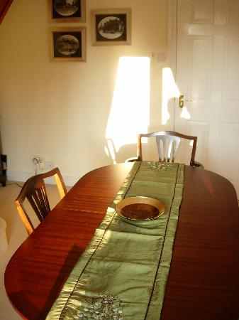 Stonecroft Bed and Breakfast: Breakfast room on a sunny morning
