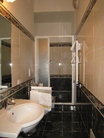 Relais Cavalcanti: The bathroom