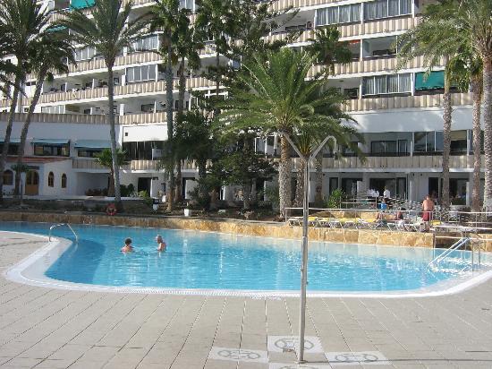 Apartamentos Koka: pool