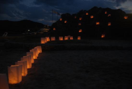 Agionissi Resort: night at the beach