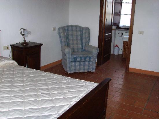 Castello di Gaiche: Schlafzimmer und Bad