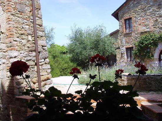 Castello di Gaiche: Blick aus dem Fenster in den Innenhof