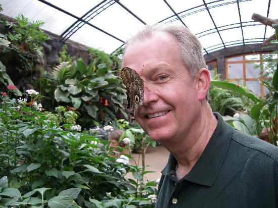 Vina Romantica: Making friends at La Paz Butterfly Sanctuary