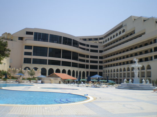Excelsior Grand Hotel: Picture from the pool area