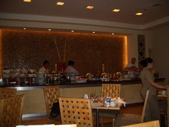 Real InterContinental San Pedro Sula at Multiplaza Mall: buffet