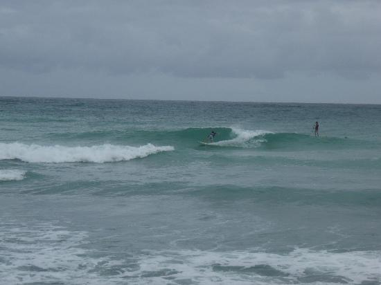 Holetown, Barbados: Surfing south coast
