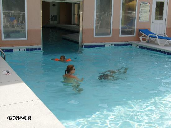 Sleep Inn at Harbour View: the swimming pool outside