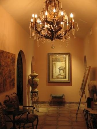Laguna Hills, CA: Hallway...looking east