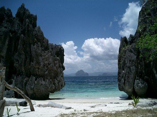 Payong - Payong Island, El Nido Palawan