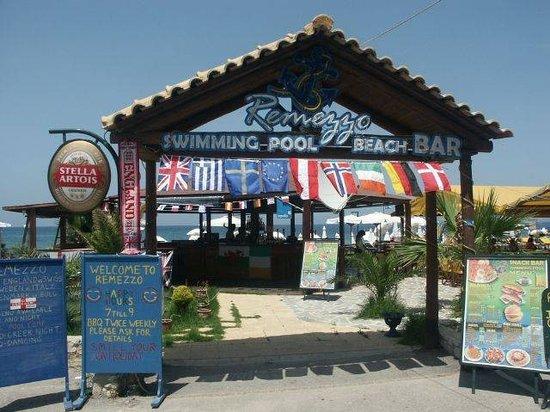 Entrance to Remezzo Beach Bar
