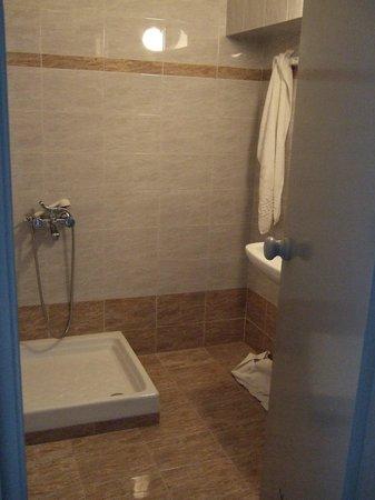 Central Hersonissos Hotel: La petite douche