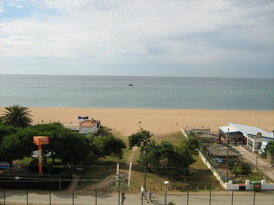 ALEGRIA Maripins: view to the see from room 425