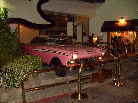 Island Garden Resort: Hard Rock Cafe - Naama Bay