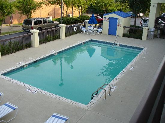 Quality Inn & Suites Southwest: Comfort Inn Pool