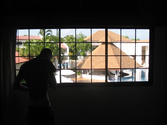 BlueBay Villas Doradas Adults Only: Vue de la chambre 3205 qui porte sur la piscine