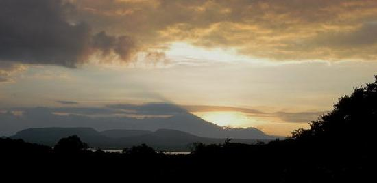 West Bali National Park, Indonésie : seeing sunrise and fishing at Gilimanuk bay